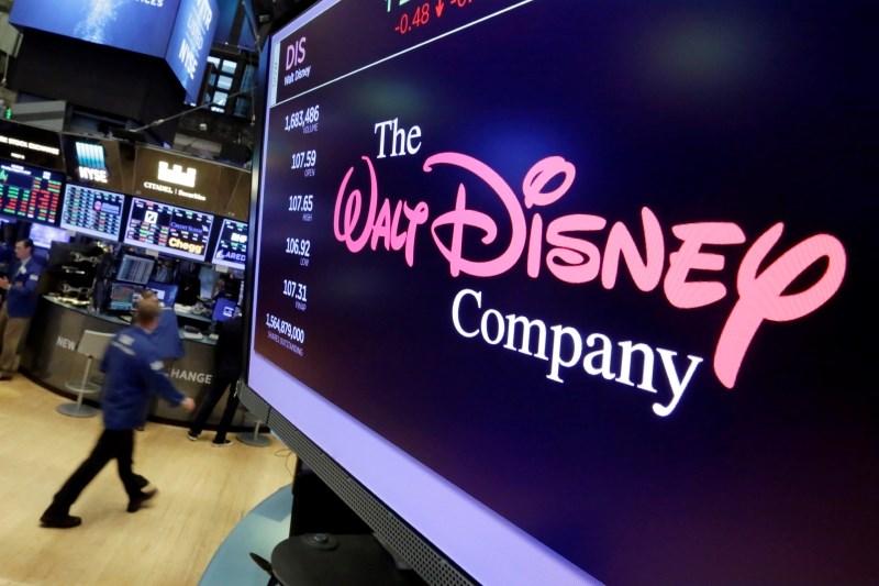 V pariškem Disneylandu zaradi lažnega preplaha več poškodovanih