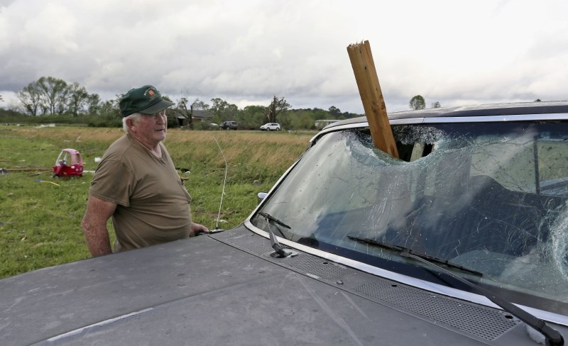 Silovita neurja na jugu ZDA odnesla osem življenj