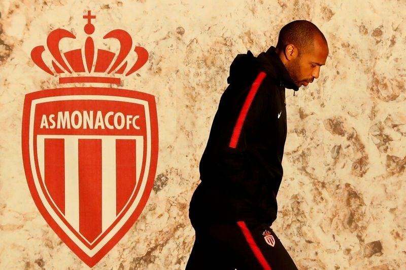 Thierry Henry se spogleduje z odhodom v ZDA