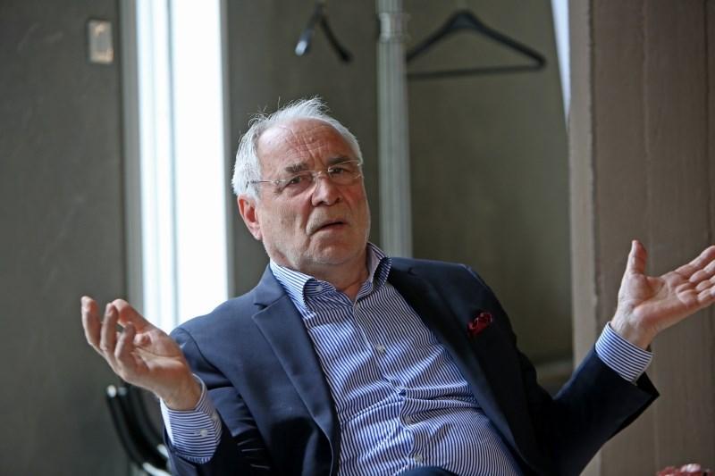 Ivo Vajgl o tem, da mora poslanec v Evropskem parlamentu uporabljati zemljevid