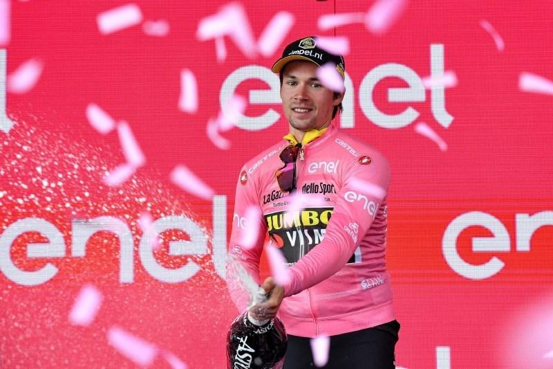 Roglič ostaja v rožnatem, druga etapna zmaga Ackermannu