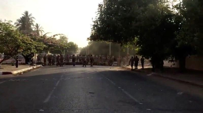 Sudanska vojska prekinila pogajanja o vzpostavitvi civilnih oblasti