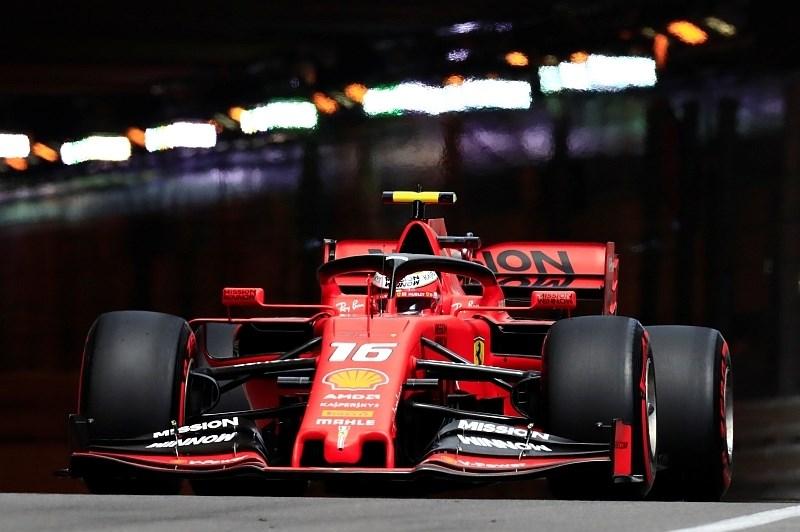 Vettel na zadnjem treningu razbil ferrarija, najhitrejši Leclerc