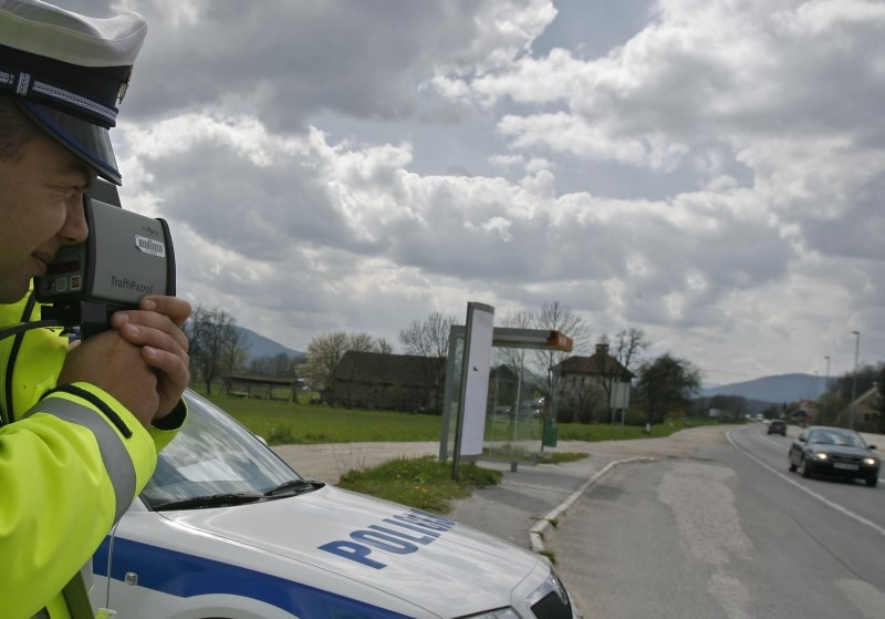 Celjski policisti v triurnem nadzoru prometa ugotovili 162 prekrškov