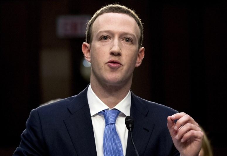 Na facebooku tudi lažni posnetki ustanovitelja Marka Zuckerberga