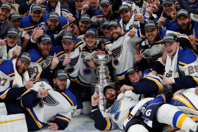 #video Hokejistom St. Louisa premierni naslov v ligi NHL