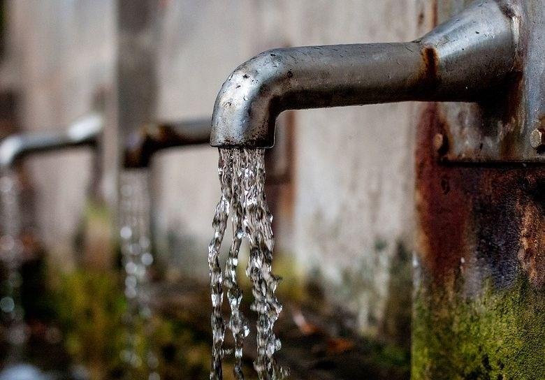 Več kot dve milijardi ljudi brez dostopa do varne pitne vode
