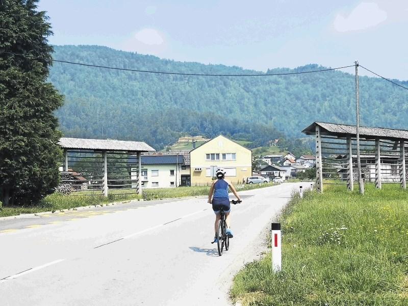Obremenjene ceste med Polhovim Gradcem in Ljubljano