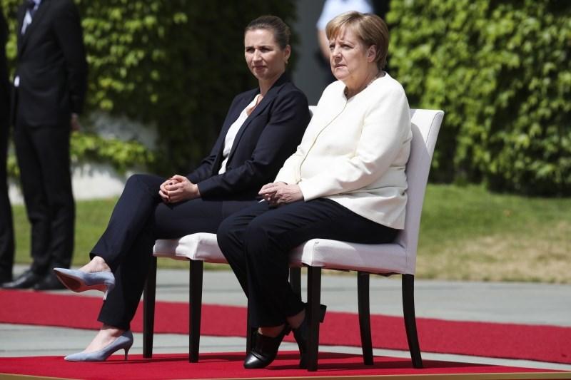 Merklova med sprejemom danske premierke sedela