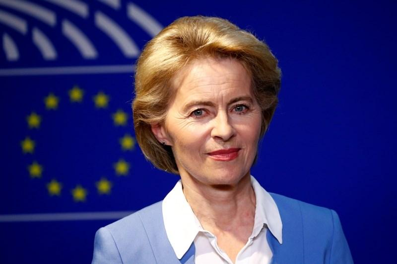 Slovenski evroposlanci iz EPP bodo podprli von der Leynovo, v drugih skupinah se še odločajo