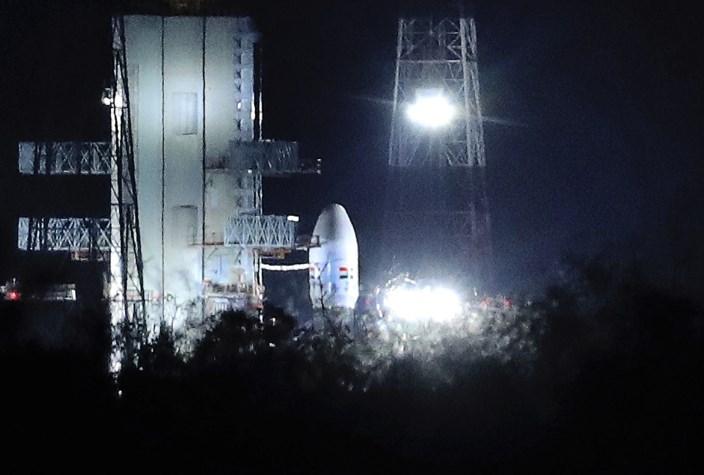 Indija preložila izstrelitev vesoljskega plovila proti Luni