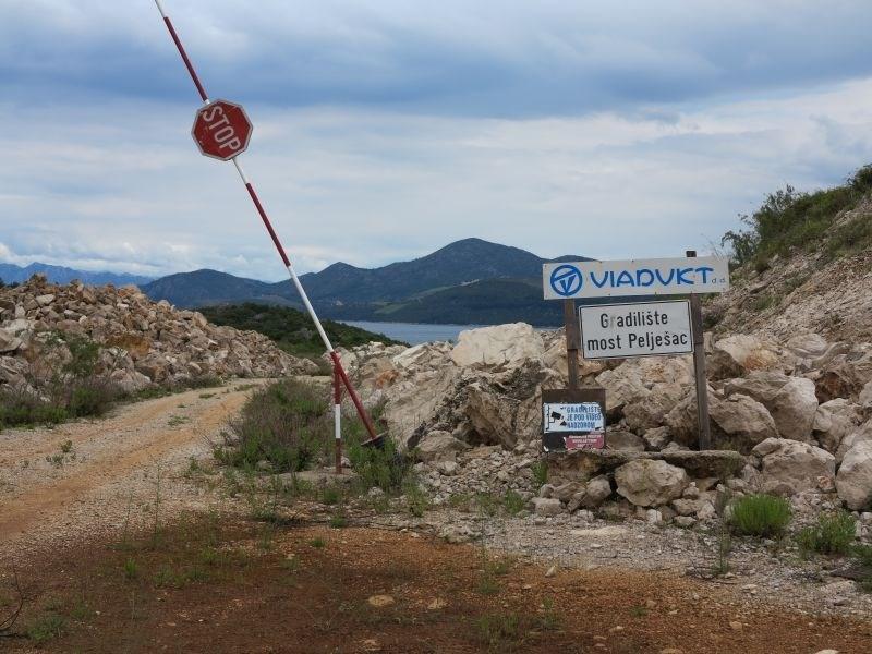 Predsedstvo BiH brez soglasja o postopku proti Hrvaški zaradi mostu na Pelješac