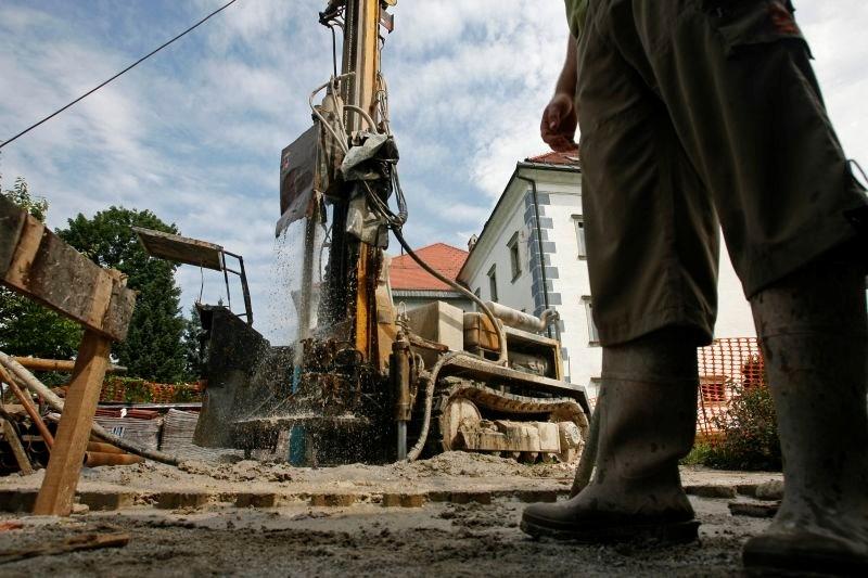 Mali delničarji terjajo prevzemno ponudbo za minersko podjetje Minervo