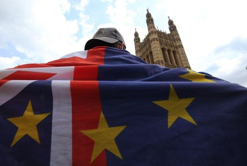 Grožnja trdega brexita med Britance vnaša preplah