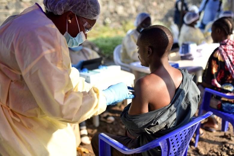 Znanstveniki z dvema zdraviloma dosegli velik napredek pri zdravljenju ebole