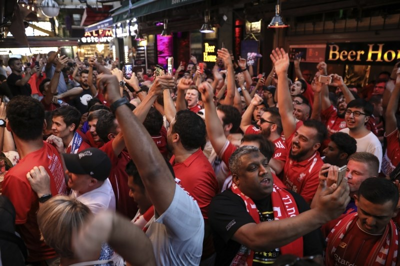 Liverpoolu in Chelseaju bo v finalu prvič sodila ženska
