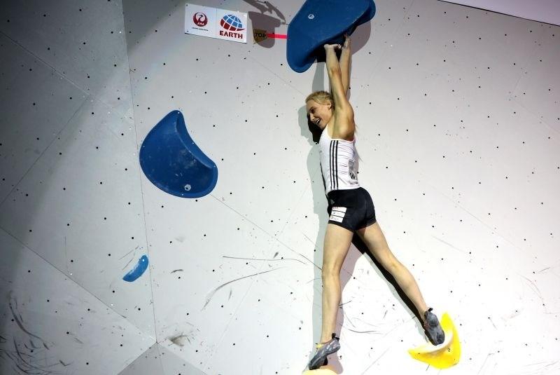 Janja Garnbret z odliko začela napad na drugo medaljo na Japonskem