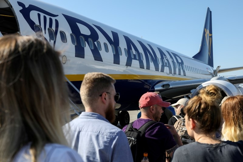 Ryanairu spet grozi vrsta stavk, o njihovi zakonitosti tudi sodišča