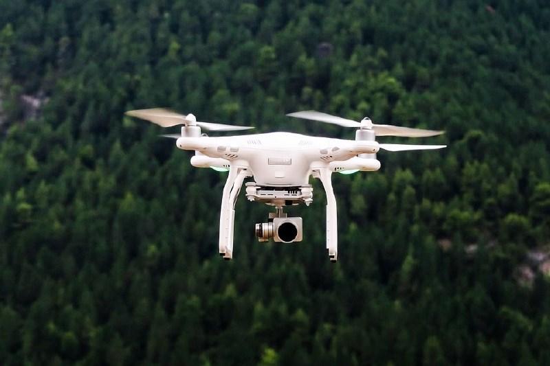 Policisti bodo širili uporabo dronov
