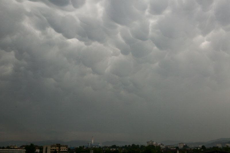 Vreme: Nastajale bodo posamezne plohe in nevihte
