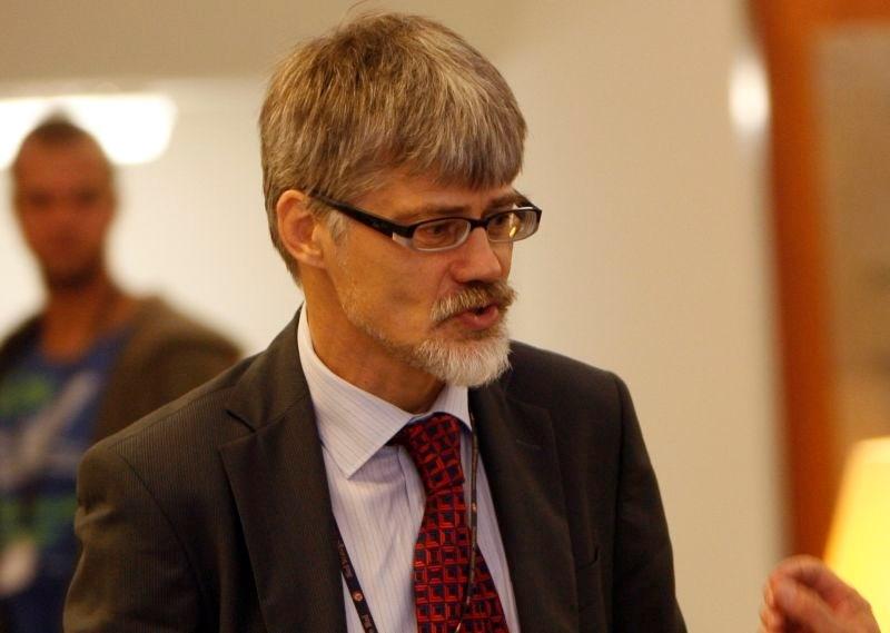 Gre pri hrvaškem zavlačevanju sprejemanja veleposlanika za kazanje mišic Sloveniji?