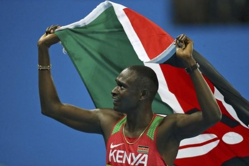 Olimpijski prvak se je zaletel v avtobus