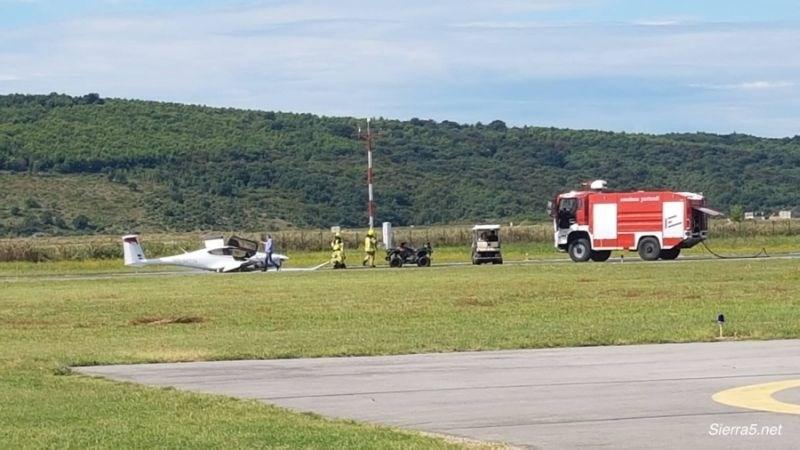 Na Letališču Portorož letalo pristalo na trupu