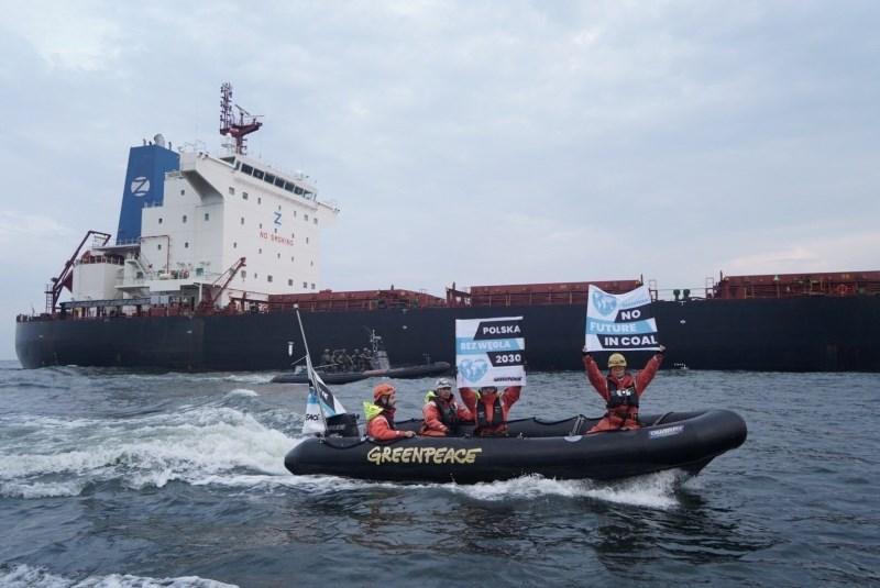 Greenpeace na Poljskem preprečil raztovarjanje premoga