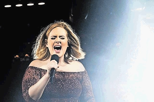 Pevka Adele se ločuje