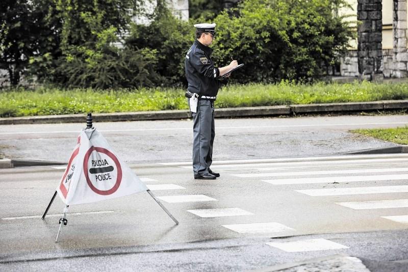 Na primorski avtocesti zastoj zaradi nesreče pred Brezovico proti Ljubljani