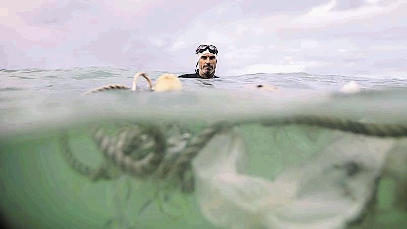 Preplaval 500 kilometrov smeti