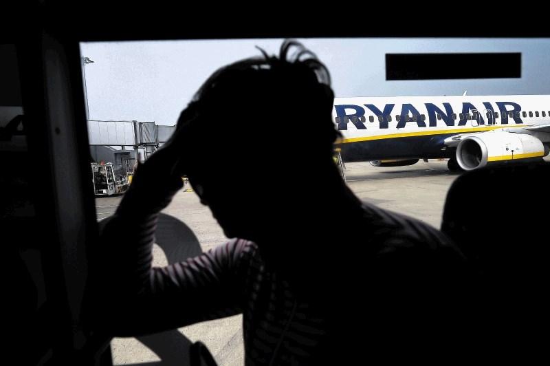 """Zaposlene v Ryanairu strah pred vračanjem """"kulture strahu"""""""