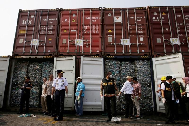 Indonezija znova vrača smeti na Zahod, tudi v Slovenijo