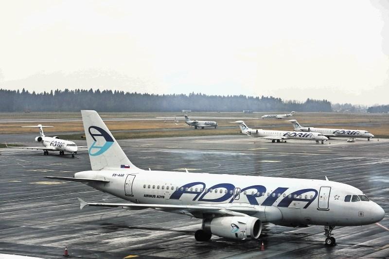 Potniki naj ob odpovedanem letu težavo sprva skušajo rešiti z letalskim prevoznikom