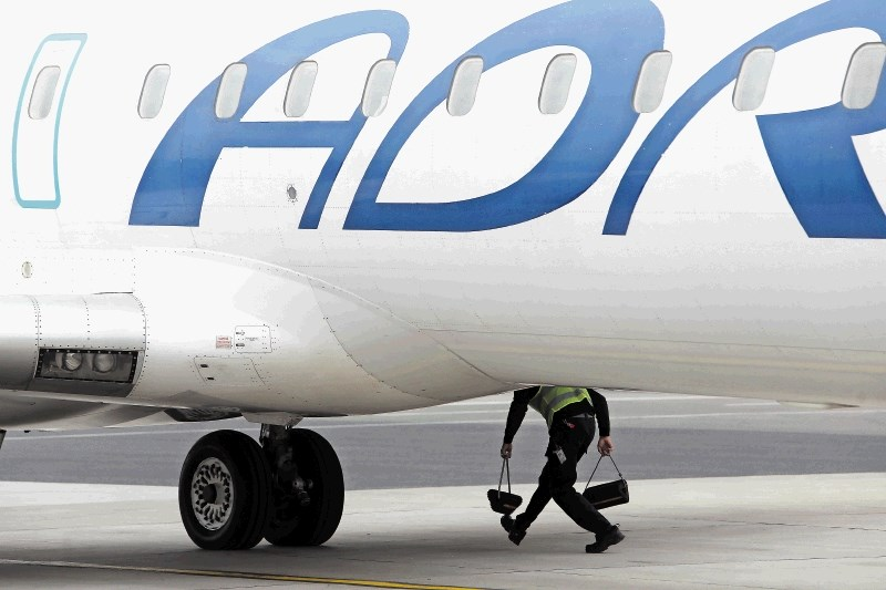 Tudi danes odpovedi in zamude letov Adrie Airways