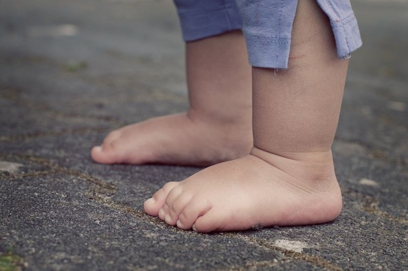 Tretjina mlajših otrok po svetu podhranjena ali s prekomerno težo