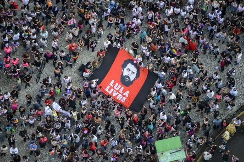 Nekdanji brazilski predsednik Lula da Silva na prostosti