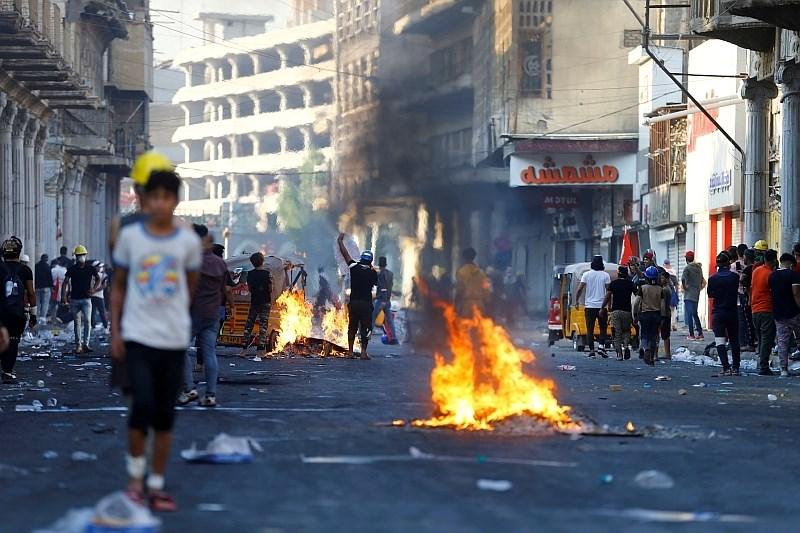V Iraku se nadaljujejo protivladni protesti