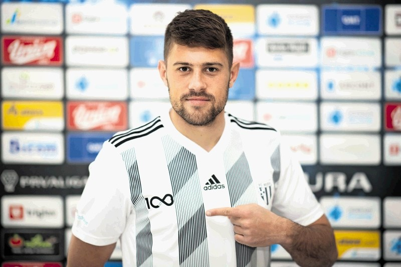 Amadej Maroša, nogometaš Mure: Garanje tako na kmetiji kot v nogometu