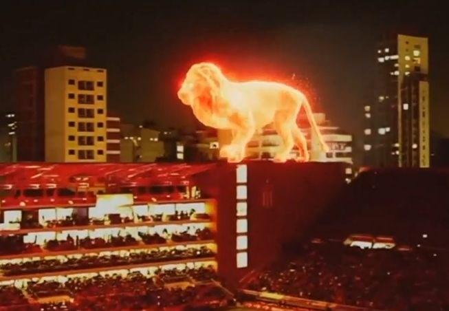 #video Odprtje nogometnega stadiona v Argentini popestril ogromen goreč lev