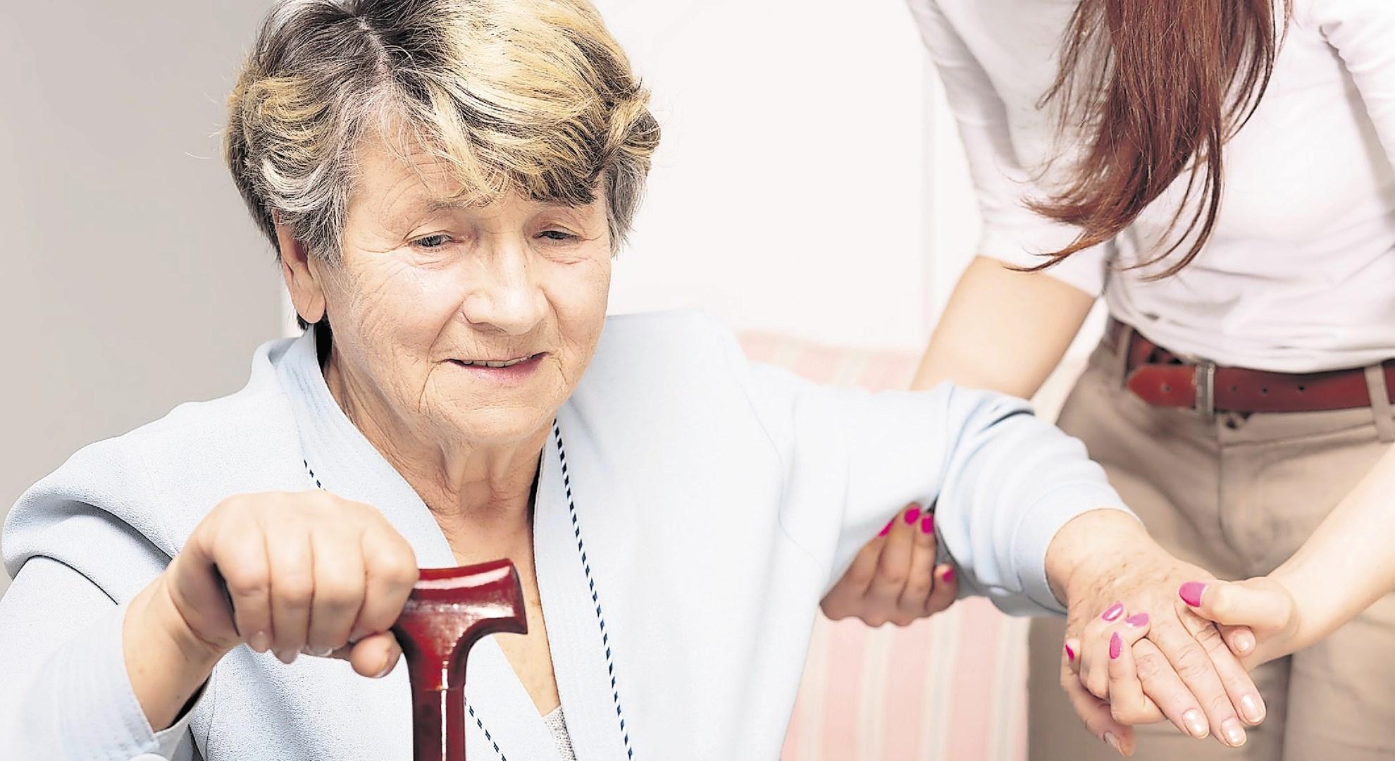 Kdo bo še skrbel za starejše?