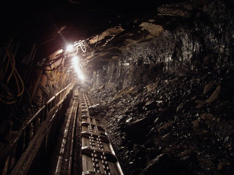 V plazu v rudniku v DR Kongo umrlo več deset ljudi