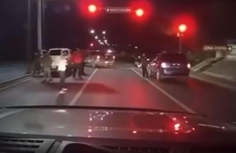 #video Izigral nepridiprave, ki so želeli ukrasti njegovo vozilo