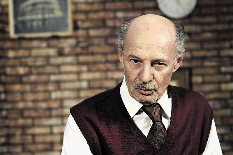 Mustafa Nadarević kljub bolezni snema in nastopa