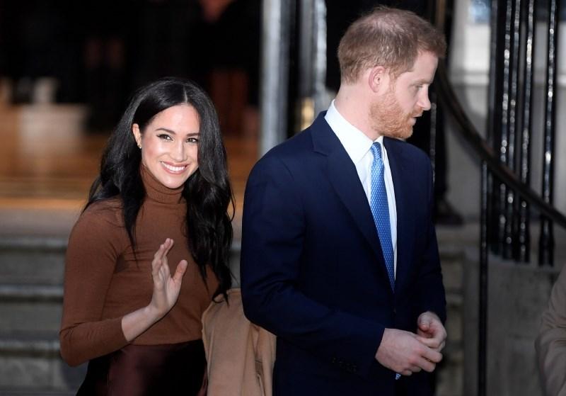 Razočarani Harry ostal brez naziva kraljeva visokost
