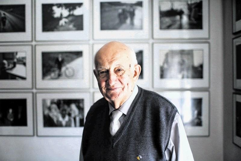 Stojan Kerbler, mojster fotografije in letošnji Prešernov nagrajenec za življenjsko delo: Majhne slike, ki pripovedujejo o velikih, humanih rečeh