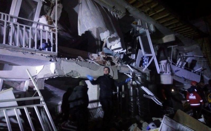 Vzhod Turčije stresel močan potres in zahteval smrtne žrtve