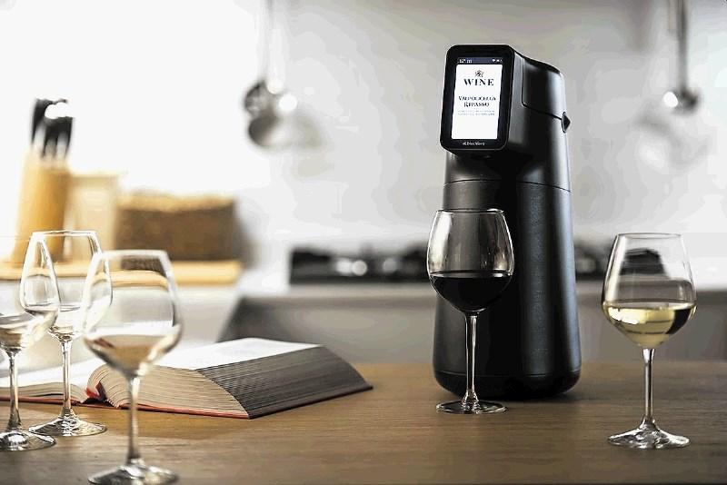 Avtomat za točenje popolno ohlajenega vina