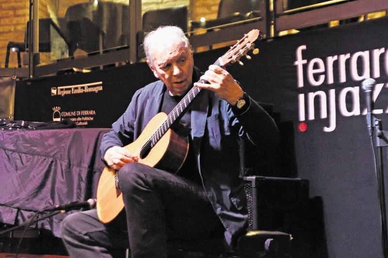 Ralph Towner, kitarist: Klasik z jazzovsko miselnostjo, odprt za novo