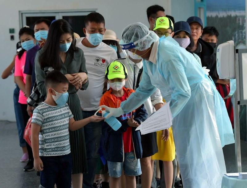 Novi virus na Kitajskem terjal že prek sto življenj; prvi primer okužbe v Nemčiji